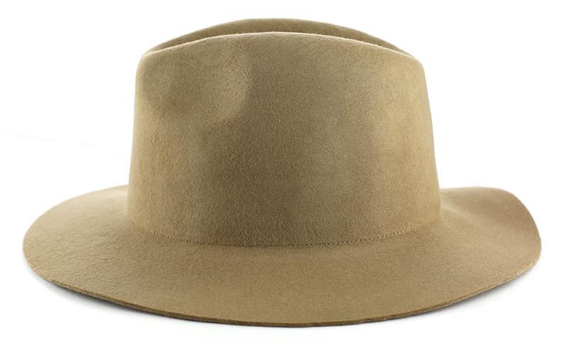 کلاه انتخاب مناسبی برای شما آقایان در روزهای گرم تابستان است