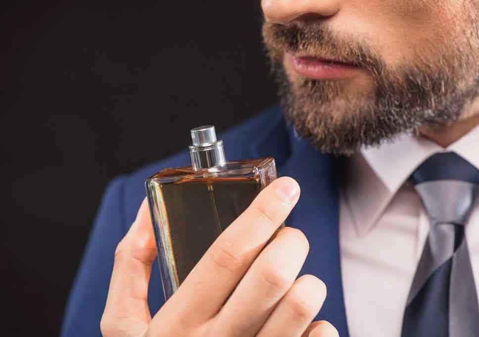 با عطر مردانه به جذابیت برس